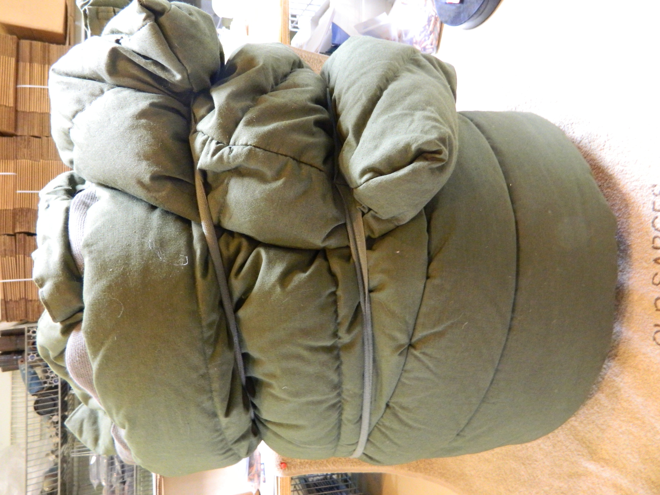 USGI Extreme Cold Weather Sleeping Bag- Like New